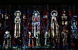 色的玻璃窗在Notre Dame d教会里  库存图片
