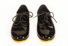 黑色皮革专利鞋子 库存照片