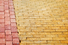 黄色砖路 免版税库存照片