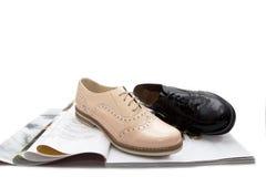 黑色穿上鞋子人 免版税库存照片