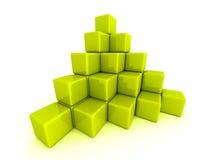 绿色立方体块金字塔  免版税库存图片