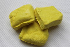 黄色缅甸豆腐纹理背景 库存图片