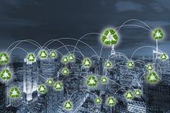 绿色能量供给动力的城市的概念 图库摄影