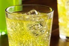 绿色能量饮料苏打 图库摄影