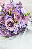 紫色花花束  免版税图库摄影