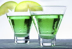 绿色苹果计算机马蒂尼鸡尾酒鸡尾酒 免版税库存图片