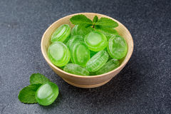 绿色薄荷的糖果 免版税库存图片