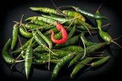 绿色辣椒和红色 免版税库存图片