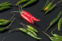 绿色辣椒和红色 库存图片