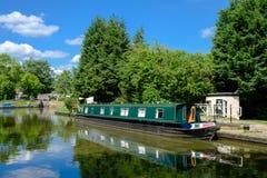绿色运河船 库存图片