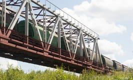 绿色铁路桥 免版税图库摄影