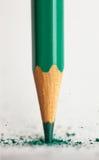 绿色铅笔残破的技巧  库存图片