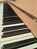 黑色键盘键钢琴行空白木 库存照片