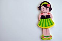 绿色镶边的礼服的女孩 免版税库存图片