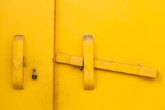 黄色门 免版税图库摄影