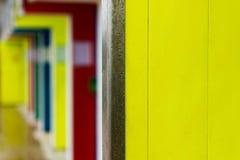 黄色门 库存图片