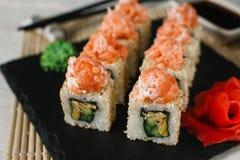 黑色集合射击寿司 亚洲食物,日本健康海鲜 免版税库存图片