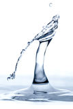 水色雕塑小滴碰撞 库存照片