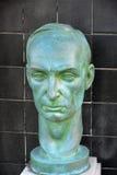 绿色雕塑,一个人的头 库存图片