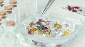 绿色,伯根地,黄色宝石 珠宝的用品 股票视频