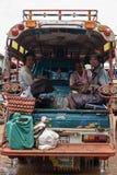 巴色,老挝- 8月12 :一个市场的看法在巴色市是 图库摄影