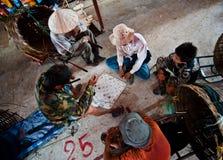 巴色,老挝- 8月12 :一个市场的看法在巴色市是 库存图片