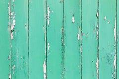 绿色,年迈的被绘的木墙壁 免版税库存照片