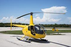 黄色直升机 库存照片