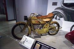 绿色1922年哈利戴维森FD摩托车 库存图片
