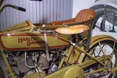 绿色1922年哈利戴维森FD摩托车 库存照片