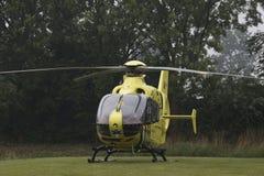 黄色医疗直升机 库存图片