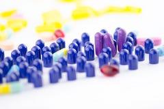 紫色(紫罗兰色)药片关闭  免版税图库摄影
