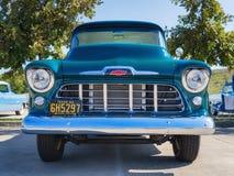 绿色1956年薛佛列3100卡车 免版税库存照片