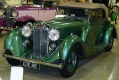 绿色1937年阿尔维斯速度25古色古香的汽车 免版税库存照片