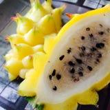 黄色dragonfruit 库存图片