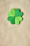 绿色origami纸三叶草 图库摄影