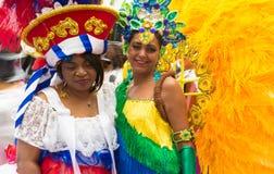 艳舞女郎参加者在热带狂欢节在巴黎, Fr 库存图片