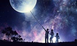 艺术儿童的系列父亲地球例证母亲向量 混合画法 图库摄影