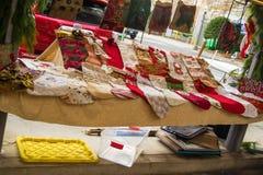 艺术和工艺项目在历史的罗阿诺克农夫市场上 库存照片