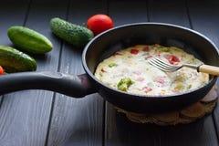 艺术品早餐编辑可能的梯度不分层堆积使用的集 平底锅煎蛋 库存照片