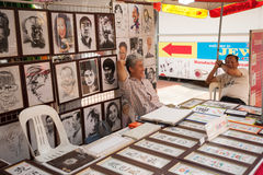 艺术家在新加坡唐人街区  免版税库存图片