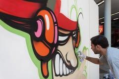 艺术家执行在HOMI,家国际展示的KayOne在米兰,意大利 免版税库存照片