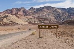 艺术家驱动死亡谷 免版税图库摄影