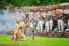 艺术文化在被掩没的khon的泰国跳舞在文学ramayana,被掩没的泰国古典猴子, Khon,泰国 库存图片