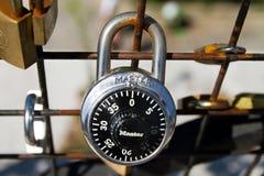 艺术桥荚锁 免版税库存图片