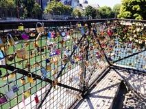 艺术桥荚锁 免版税库存照片