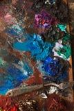 艺术油漆,调色板,掠过铅笔 库存图片