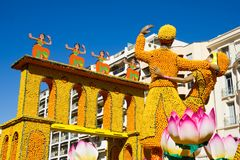 艺术由柠檬和桔子做成在著名柠檬Festival Fete du Citron在芒通,法国 免版税图库摄影