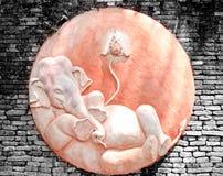 艺术砖大象灰泥样式泰国墙壁 库存照片