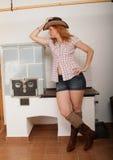 艺术秀丽牛仔女孩头发长的模型俏丽的射击 免版税库存照片